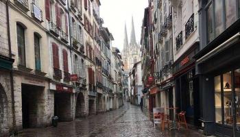 Ruta turística por el del sur de Francia con almuerzo y transporte.